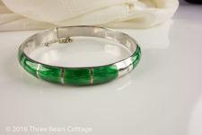 Green Basse Taille Enamel Bangle