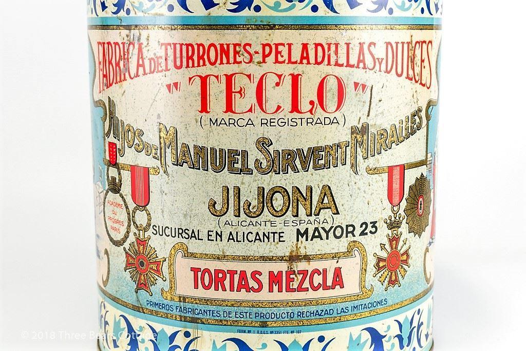 Large Teclo Tortas Mezcla Tin