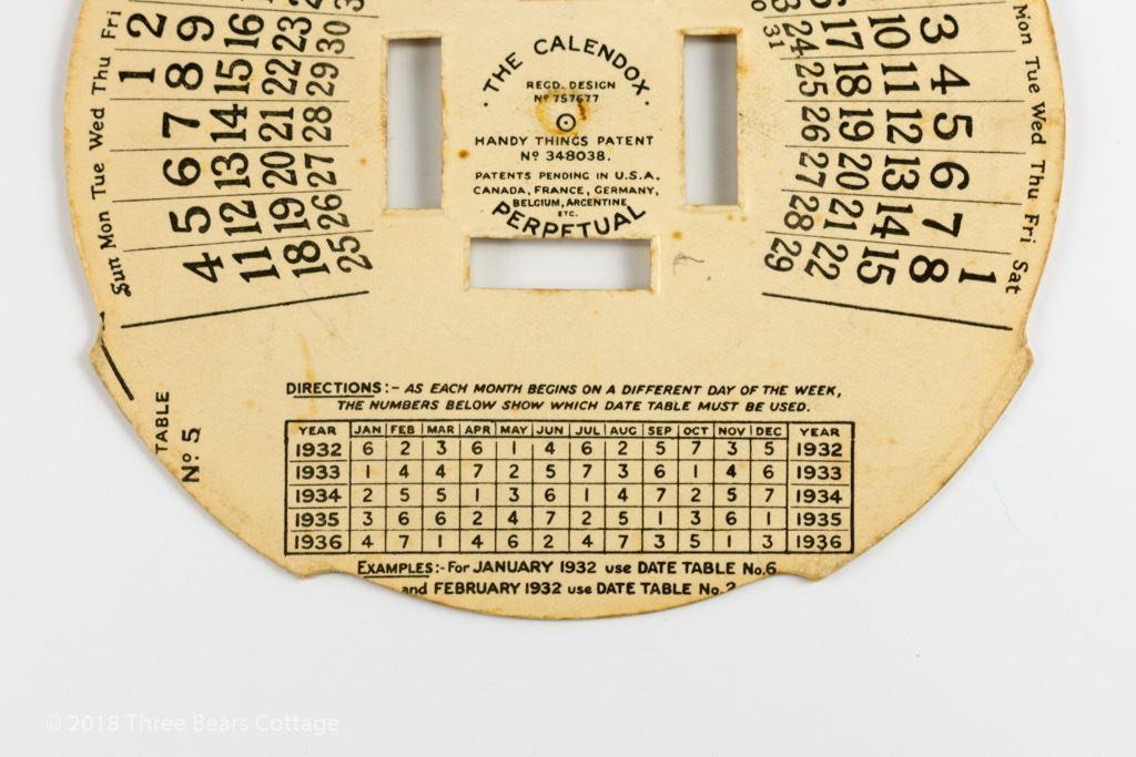 Calendox Major Bakelite Punch Magazine Desk Calendar