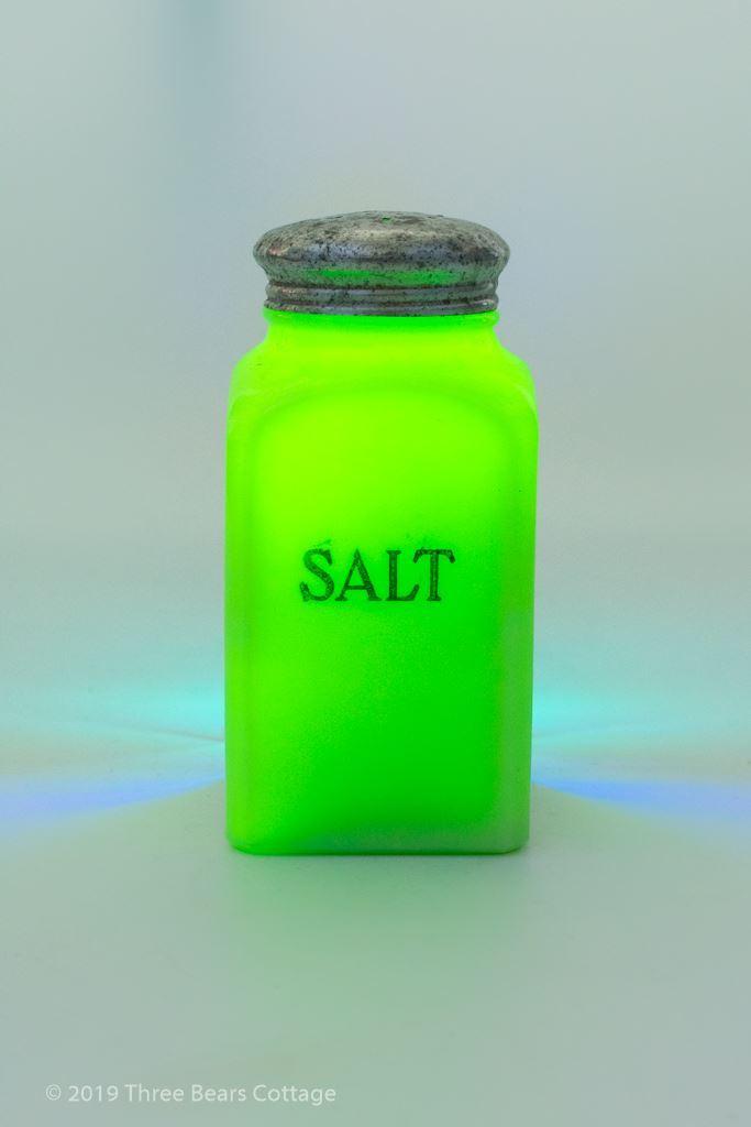 Jeannette Jadeite Green Glass Salt Shaker